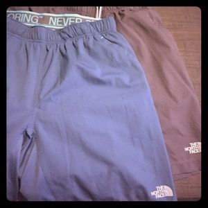 2 pair of brand new northface shorts